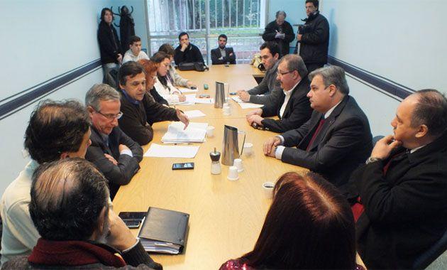 La reunión fue para coordinar medidas y acciones tendientes a mitigar la violencia en los partidos de fútbol y resguardar la integridad física de los trabajadores de prensa.