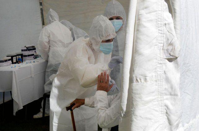 En la carpa de hisopados que se montó en 27 de Febrero y Buenos Aires