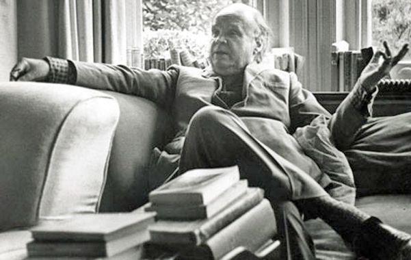"""Una nómina singular. El ensayista inglés Cyril Connolly (1903-1974) escribió """"Cien libros clave del movimiento moderno""""."""