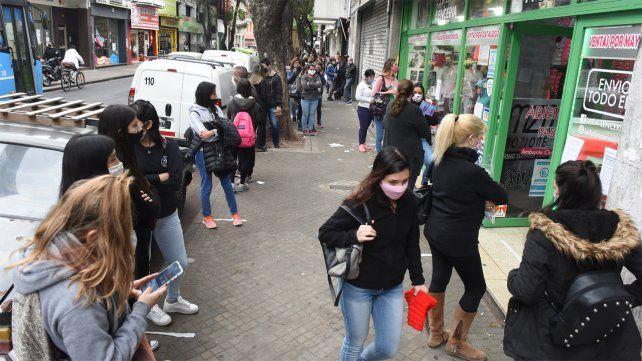 El comercio de Rosario intenta remontar el impacto negativo de la cuarentena.