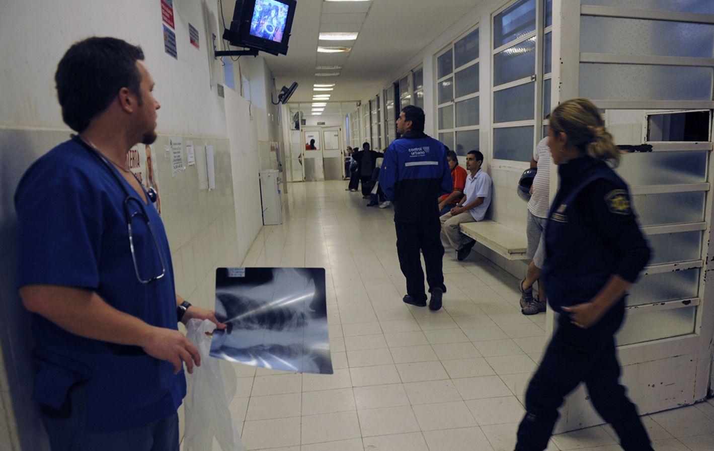 Por el hospital. Personal de Control Urbano