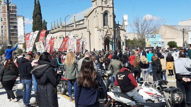 La multitudinaria marcha contra las medidas del gobierno realizada el sábado en Venado Tuerto.