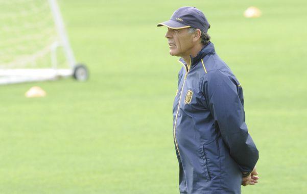 Russo confirmó a Tomás Berra en lugar del lesionado Lisandro Magallán y confía en que Hernán Encina y Jesús Méndez llegarán sin problemas.