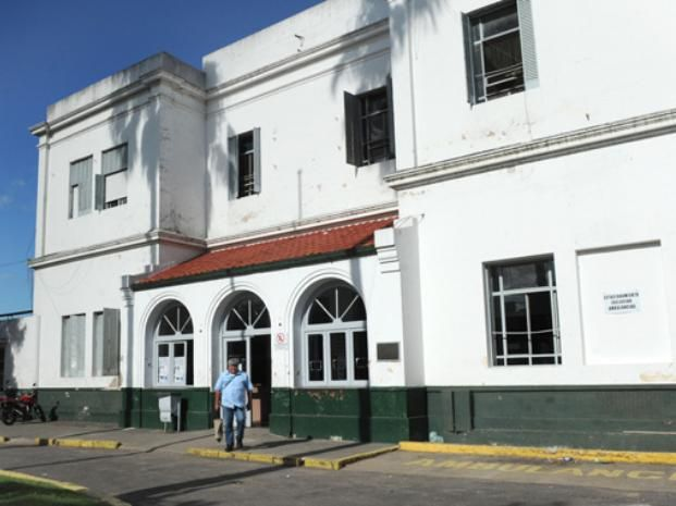 El muchacho primero ingresó al Roque Sáenz Peña. (Foto: V. Benedetto)