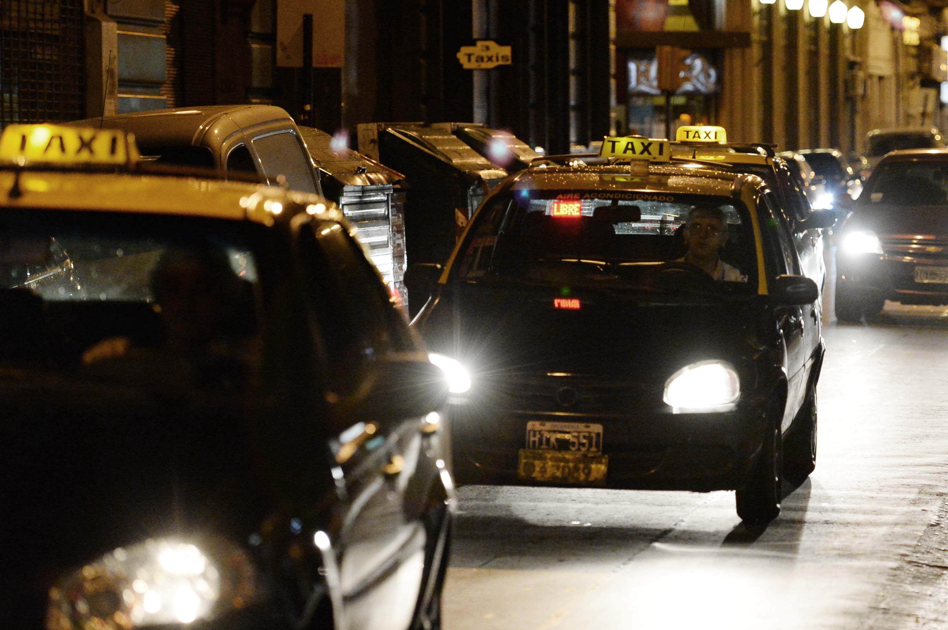 El taxista que fue víctima del asalto resultó ileso. (Foto de archivo)