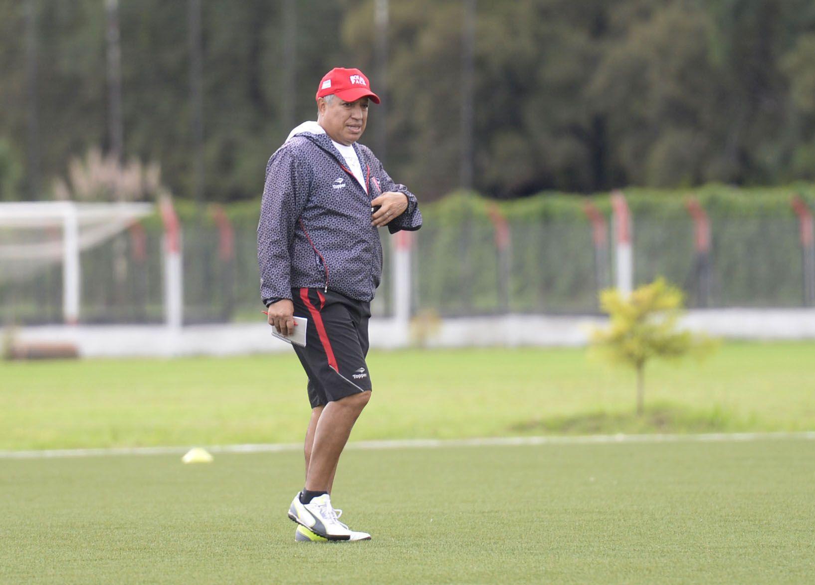 Américo Rubén Gallego no tocará nada de la formación. (S.Salinas)