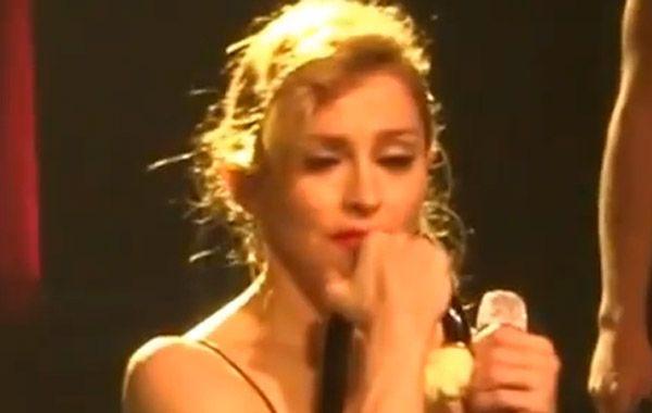 ¿Por qué Madonna lloró mientras cantaba Like a virgin?
