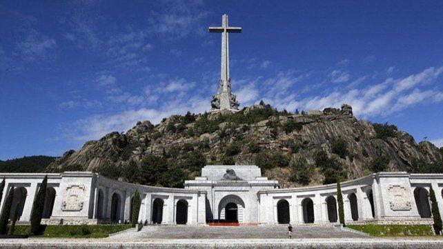 Franco fue enterrado en un lugar prominente del  Valle de los Caídos