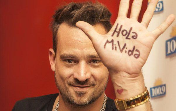 El cantante de Tan Biónica agradeció estar vivo tras el accidente automovilístico.