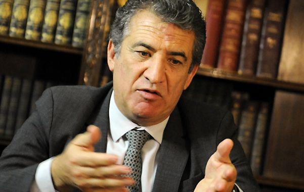 """Urribarri sueña con un """"mano a mano"""" contra Scioli en las internas del 2015."""