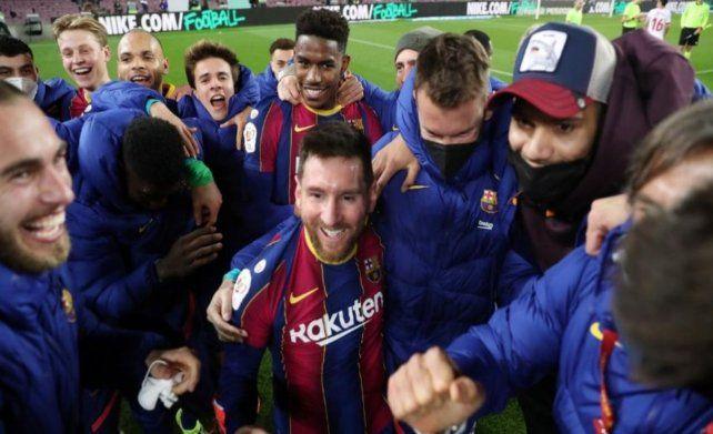 Como por arte de magia. Los jugadores de Barcelona festejaban cuando de golpe