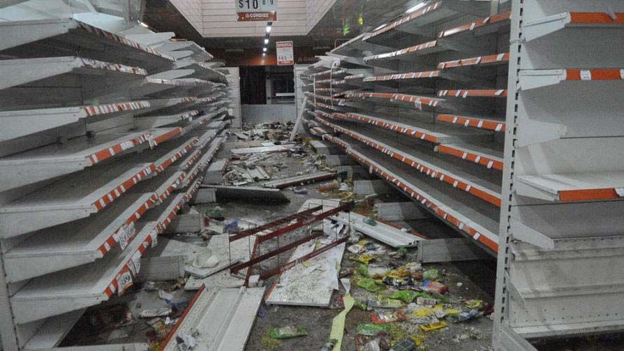 Al menos mil negocios fueron saqueados en Córdoba durante la huelga de policías.