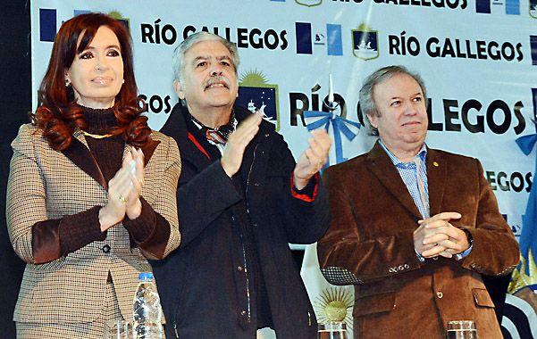 Patagónicos. Cristina Fernández encabezó un acto en Santa Cruz junto al ministo De Vido y el gobernador Peralta.