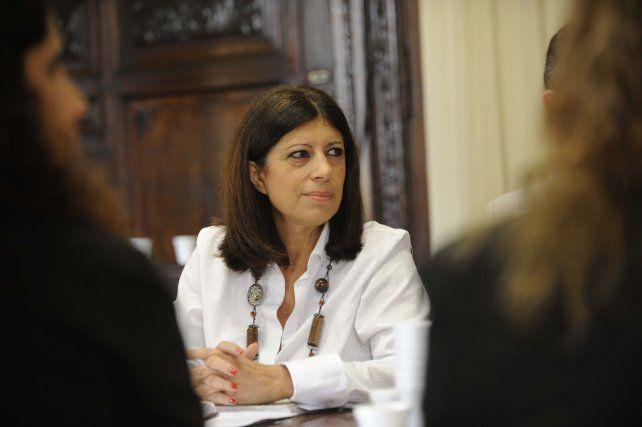Clara García evalúa la posibilidad depresentarse como candidata por el socialismo.