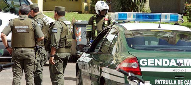 Efectivos de Gendarmería en un control de rutina
