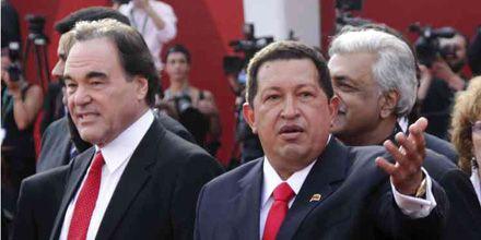 El presidente Hugo Chávez fue recibido como una estrella en el Festival de Venecia