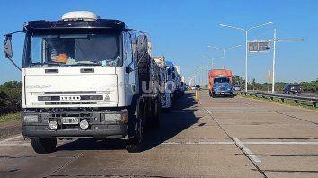 Las medidas de protestas iniciadas el sábado afectan -aunque no exclusivamente- la circulación del transporte de cargas en las principales rutas de las provincias del centro del país: Santa Fe, Córdoba, Entre Ríos y Buenos Aires.