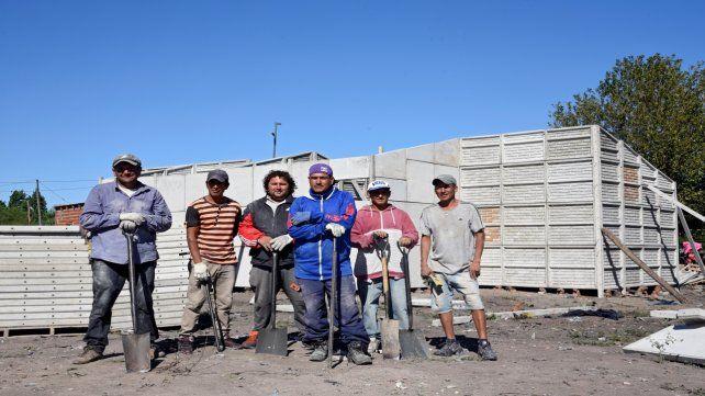 Cooperativas. Muchas de las obras se hacen con los propios vecinos.