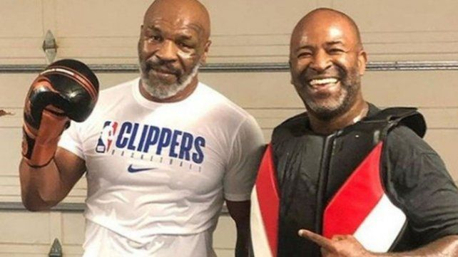 Tyson casi noquea a su propio entrenador