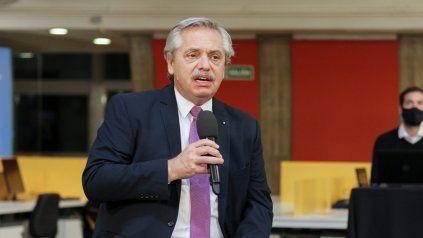 Fernández: Argentina empieza a moverse poco a poco y vuelve a recrearse el mundo del empleo
