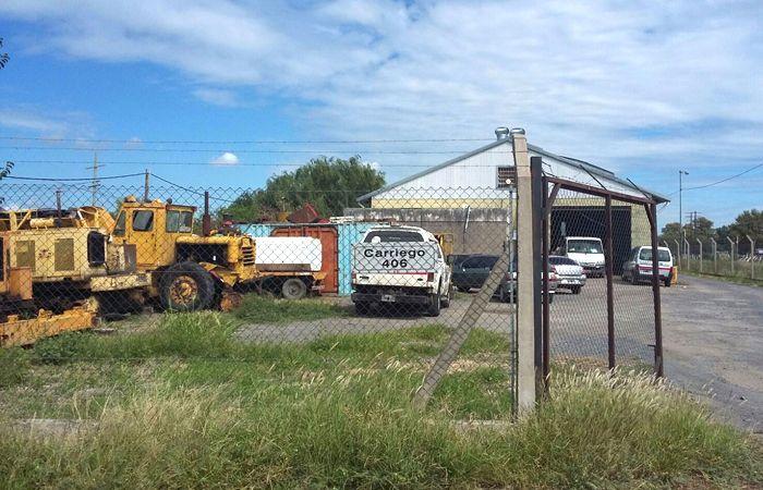 Los ladrones se llevaron una retroexcavadora John Deere. (Foto : V. Venedetto)