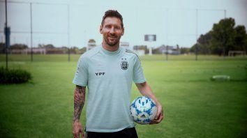Llega la nueva pelota YPF Messi a todas las estaciones del país