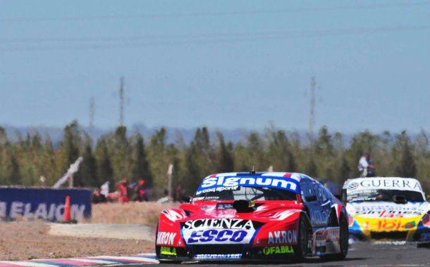 Adelante. El Chevrolet de Guillermo Ortelli marcó el camino toda la carrera.