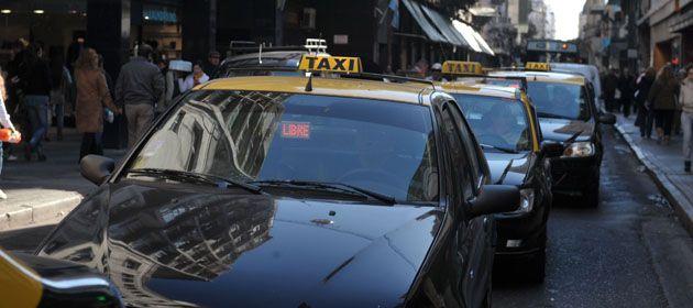 Las nuevas chapas de taxis se discuten en el Concejo.