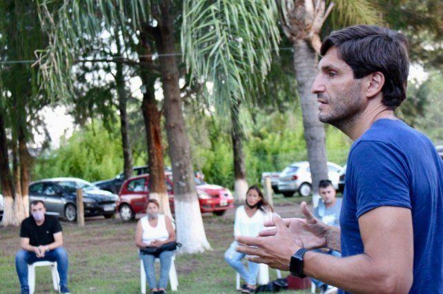 El diputado provincial Maximiliano Pullaro encabezó el encuentro en Coronda.