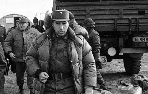 Mario Benjamín Menéndez fue gobernador de las Malvinas durante la guerra con Gran Bretaña en 1982.