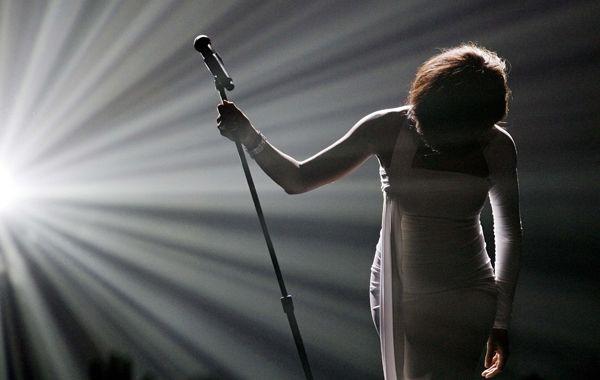 La cantante murió a los 48 años tras una corta vida de éxitos artísticos y dolores personales.