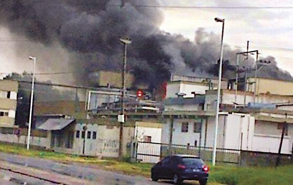 El incendio del frigorífico Mattievich fue intencional y hay tres detenidos