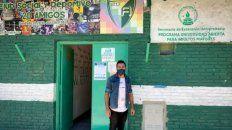 El presidente del Club 20 Amigos, Matías Moschini, nacido y criado en el barrio.