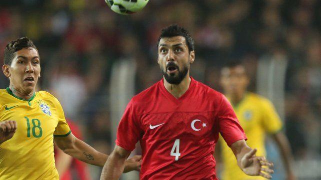 Arrestaron a un jugador de la selección de Turquía por vínculos con el golpe de Estado