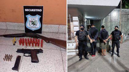 Cayeron dos tiratiros en barrio Los Hornos.