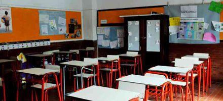 Las escuelas organizan la distribución de material pedagógico para cada alumno