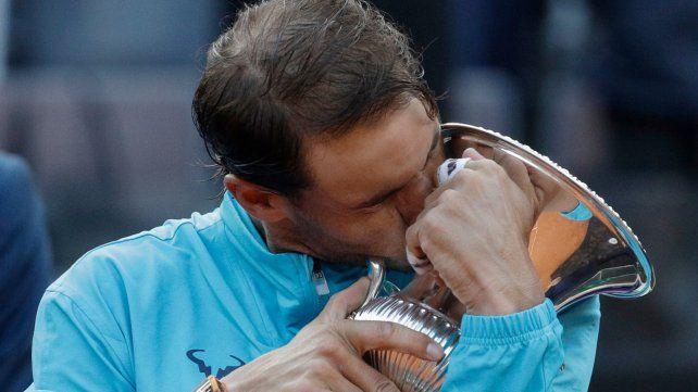 El rey del polvo. Rafael Nadal consiguió en la arcilla su primer título de 2019.