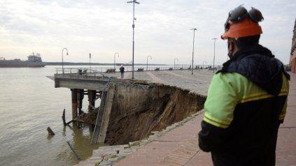 La municipalidad realizó una exhaustiva inspección en la zona de la barranca del Parque España que se desmoronó este viernes por la tarde.