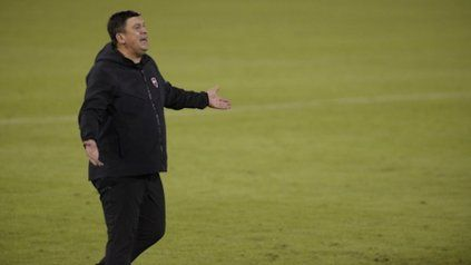 """Frontal. Germán Burgos calificó a Nacho Scocco como un jugador """"espectacular""""."""