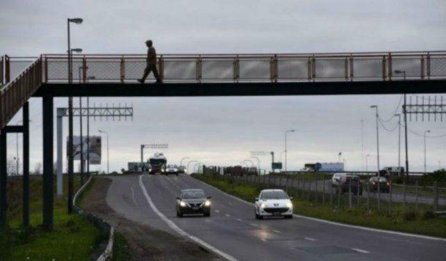 El empresario se desplazaba hacia Rosario cuando fue interceptado y asaltado.