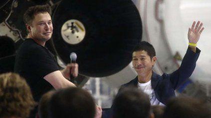 Elon Musk, dueño de SpaceX, y el empresario japonés Yusaku Maezawa, llevan adelante el proyecto DearMoon.