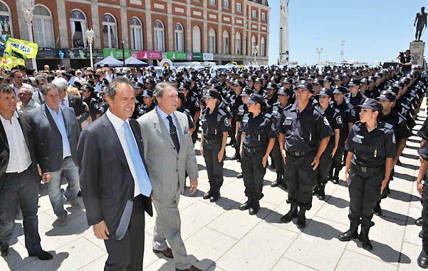 En acción. El gobernador Scioli se mostró preocupado por el avance del narcotráfico en la Argentina.