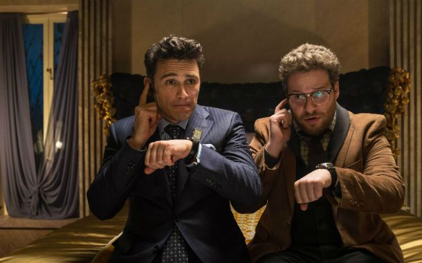 "No se estrena. James Franco y Seth Rogen en una escena de ""The Interview"""