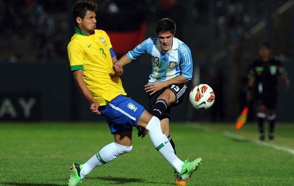 Disputado. Argentina y Brasil animaron un encuentro de poco voltaje.