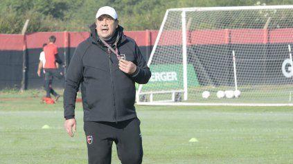 Burgos dijo que no piensa en el futuro inmediato y que su objetivo es ganar los cinco partidos que restan.