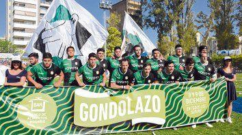 Hay equipo. La formación titular para la final del Regional 2018. El verdinegro se quedó con la copa 90 Aniversario de la URR.