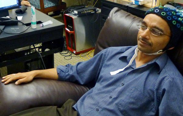 Por interfaz. Rajesh Rao había enviado una señal desde su cerebro.