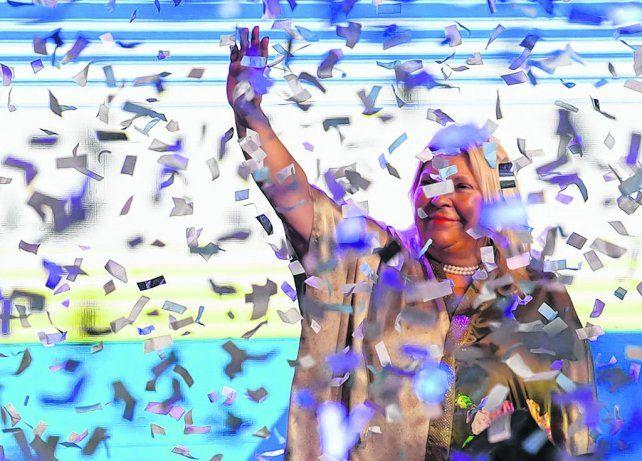 Papelitos. Elisa Carrió ratificó su prevalencia en el frente oficialista con su gran elección en la capital del país.