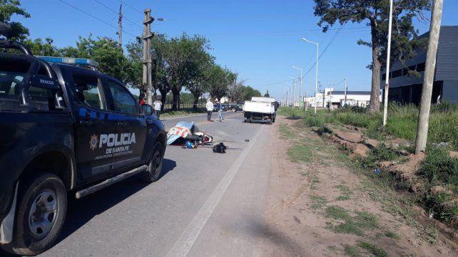 Un motociclista murió tras chocar contra un camión en Capitán Bermúdez