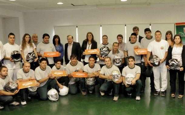 Los empleados de 12 firmas de la ciudad ya se capacitaron en el uso del casco.